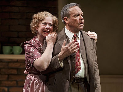 willy loman s hamartia Modern tragedy lit argument arthur miller's modern play, death of a salesman, examines the life of salesman willy loman and his family the story of willy.