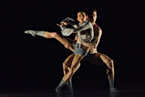 ballet-bc-dancers-iintwenty-eight-thousand-waves-rachel-meyer-and-scott-fowler-photo-by-michael-slobodian